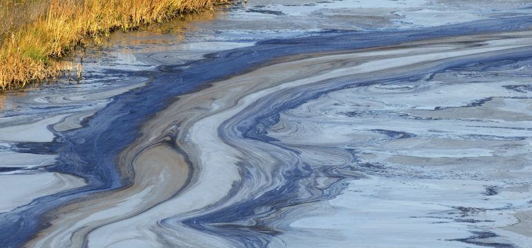 Oil-slick-in-water-000007514645_1600x621